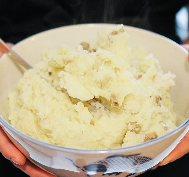 Easy Pressure Cooker Mashed Potatoes